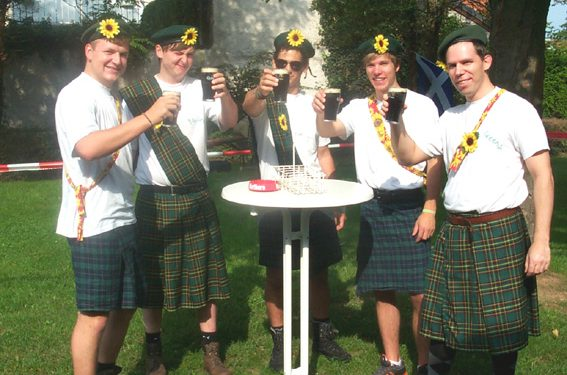 "McGreen´s als ""Men in Kilts"""