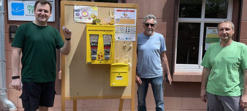 Mit dem Rad zum Bienenfutterautomaten